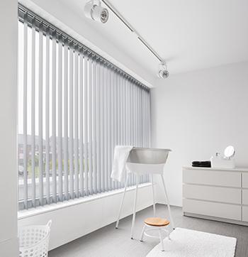 raamdecoratie-vert-jaloezie